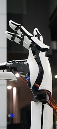 Handi es una mano artificial para amputados. Siendo enteramente impresa en 3D, los componentes se pueden modificar y reproducir con facilidad. Funciona mediante el uso de uno smartphone y los dedos […]