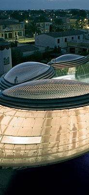 Presentamos este proyecto del arquitecto Enric Ruíz-Geli, fundador del estudio CLOUD9 ubicado en Barcelona, España. Es conocido por sus diseños atrevidos y fuera de lo común en los que combina la geometría […]
