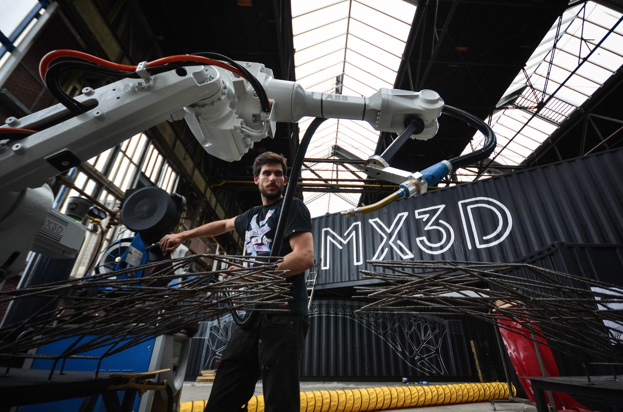 3d printing, Alan Turing, algoritmos evolutivos, algoritmos generativos, AMS, autodesk, impresión 3d, Joris Laarman, MX3D, puente de acero, Robotica